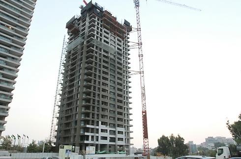 הבניין שבו התחבא אילן בן עמי באזור מגדלי YOO (צילום: עידו ארז) (צילום: עידו ארז)