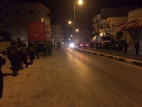Troops in Hebron overnight (Photo: Police Spokesman's Unit)