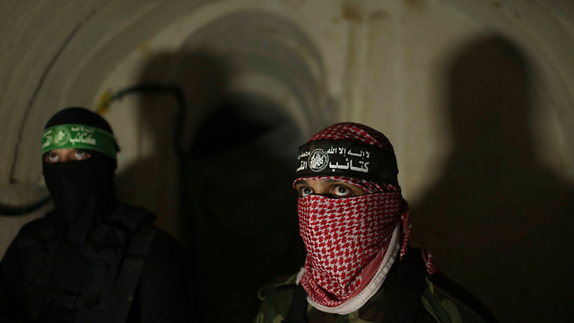 Hamas militants in a tunnel (Photo: Reuters)