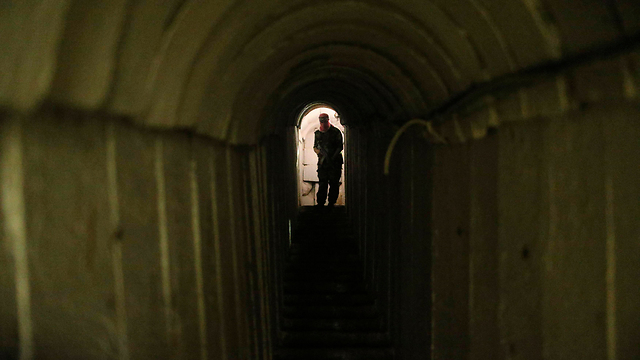 Hamas militant in tunnel (Photo: Reuters)