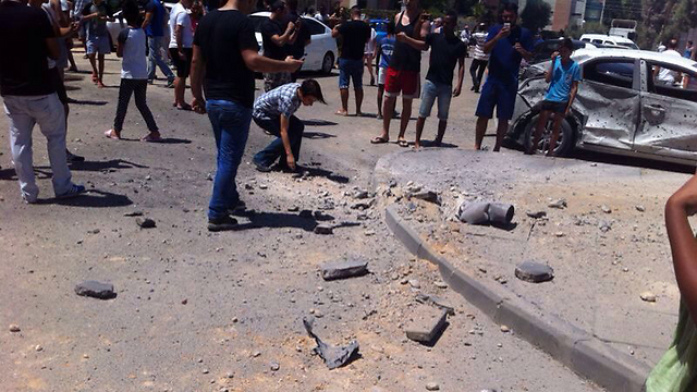 Be'er Sheva shortly after noon rocket attack (Photo: MDA paramedics)