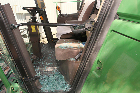 Damage caused to tractor in Eshkol (Photo: Ido Erez) (Photo: Ido Erez)