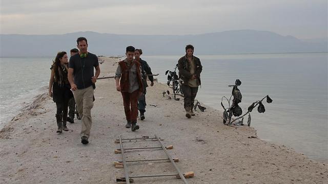 הנופים משחקים תפקיד. הצוות בים המלח (צילום: גאיה נחמני) (צילום: גאיה נחמני)