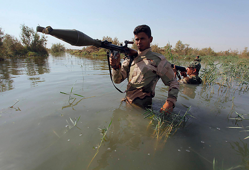 Shia volunteers are joining the Iraqi Army to combat ISIS. (Photo: Reuters) (Photo: Reuters)