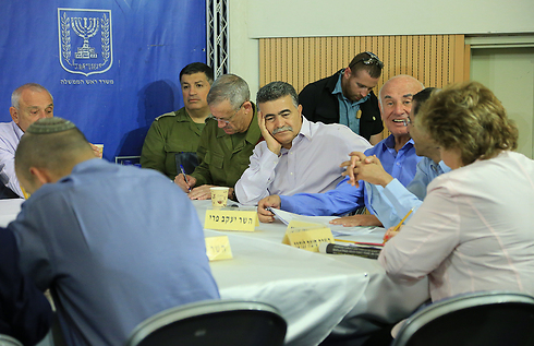 A Security Cabinet meeting at the Kirya IDF headquarters during Protective Edge (Photo: Yaron Brener)