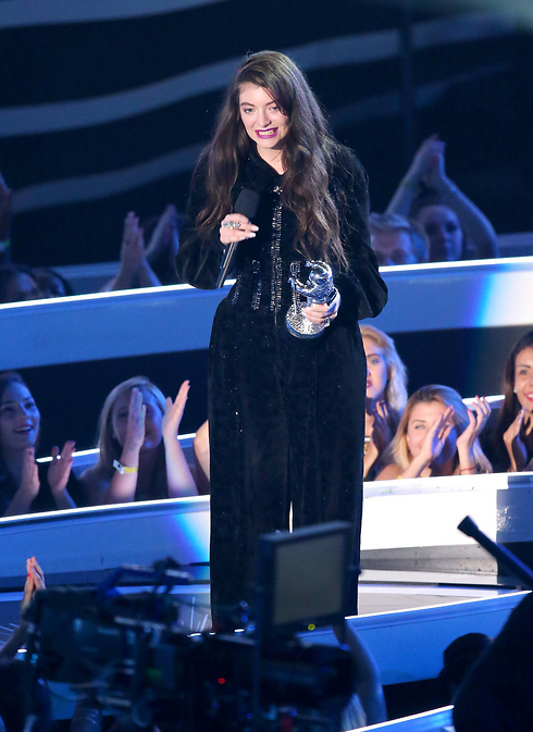 Lorde at the VMAs (Photo: AFP)