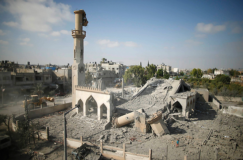 Ruins of mosque during Operation Protective Shield (Photo: AFP)