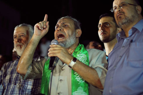 Senior Hamas official a-Zahar refused Israel's terms to allow search for the missing terrorists in return for the return of Israeli MIAs (Photo: Reuters)