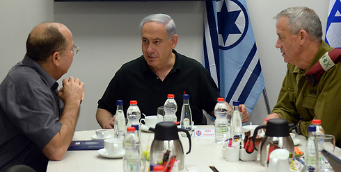 Ya'alon, Netanyahu and Gantz. Complaints against them were silly. (Photo: Haim Tzach / GPO) (Photo: Haim Tzach / GPO)