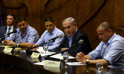 Prime Minster Benjamin Netanyahu's meeting with southern leaders (Photo: Haim Zach, GPO)  (Photo: Haim Zach)