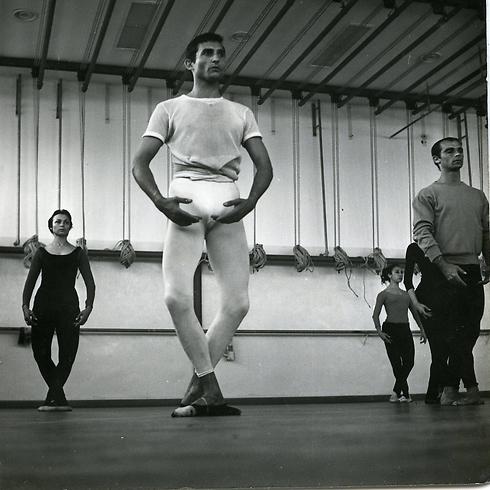 """בסטודיו. """"היה ונשאר רקדן בכל נשמתו ומאודו"""" (צילום: אריק דיכנה) (צילום: אריק דיכנה)"""