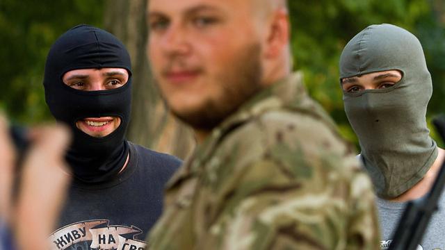 חיילים בגדוד מתנדבים בצבא אוקראינה (צילום: AFP) (צילום: AFP)