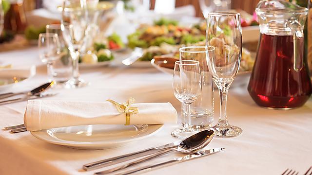 מגיע לכם שולחן חג מושלם ומהמם. תכינו את הקישוטים יחד (צילום: shutterstock) (צילום: shutterstock)