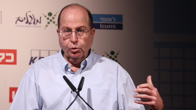 Defense Minister Moshe Ya'alon at Calcalist conference (Photo: Motti Kimchi)