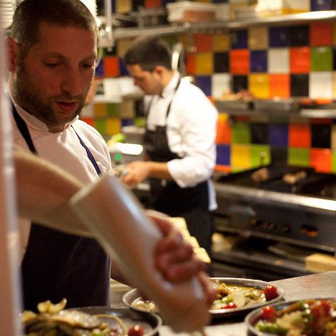 """שף אסף גרניט, """"מחניודה"""" (צילום: תום להט) (צילום: תום להט)"""
