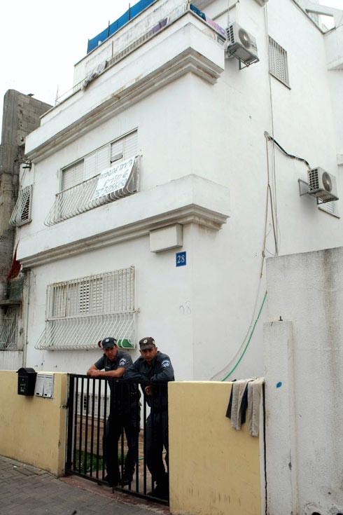 המתחם בשכונת התקווה בתל אביב שבו התגוררו רצון, הנשים והילדים (צילום: יריב כץ) (צילום: יריב כץ)