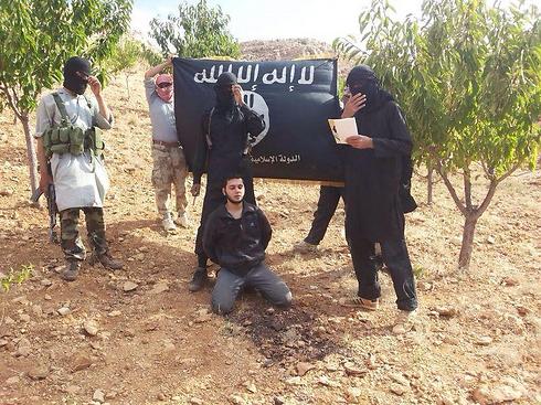 החייל הלבנוני שדאעש ערפו את ראשו         ()