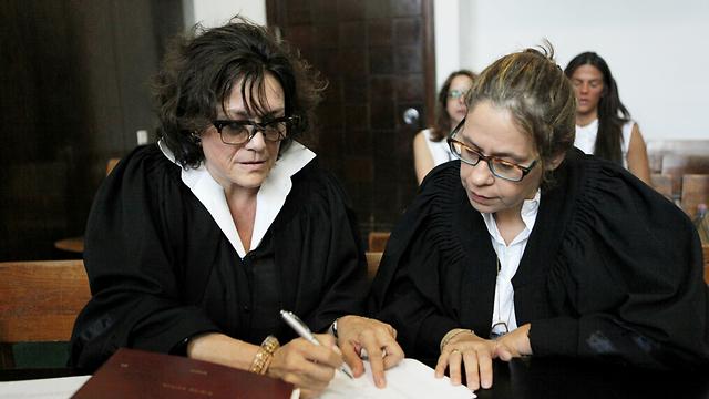 התובעות, עורכות הדין אברמוף ובר און (צילום: דרור עינב) (צילום: דרור עינב)