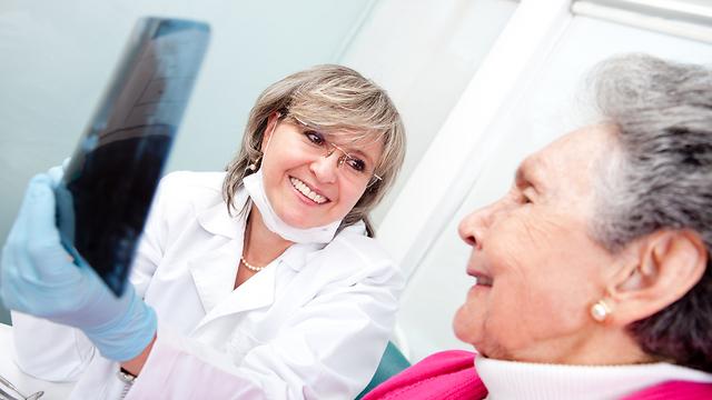 הולכים לרופא רק כשכואב. טיפולי שיניים למבוגרים (צילום: shutterstock) (צילום: shutterstock)