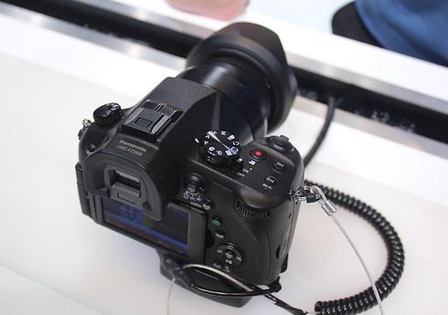 דגם FJ-1000 - מצלמת 4K עם עדשה קבועה (צילום: שחר שושן)