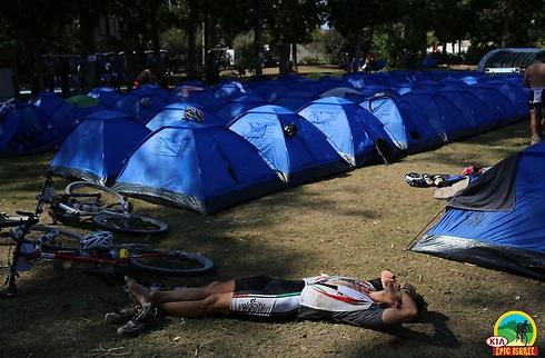 מתחם האוהלים במקום (צילום: גלעד קוולרצ'יק) (צילום: גלעד קוולרצ'יק)