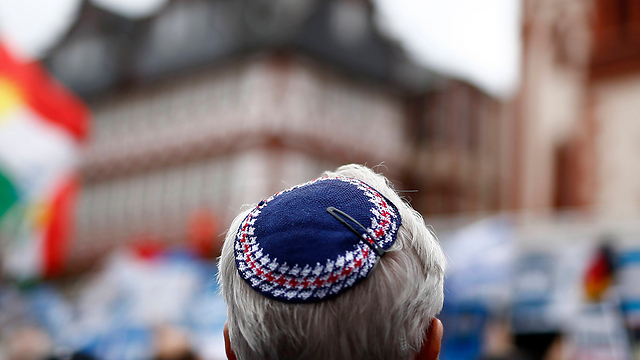 German Jew at rally against anti-Semitism in Germany (Photo: Reuters) (Photo: Reuters)