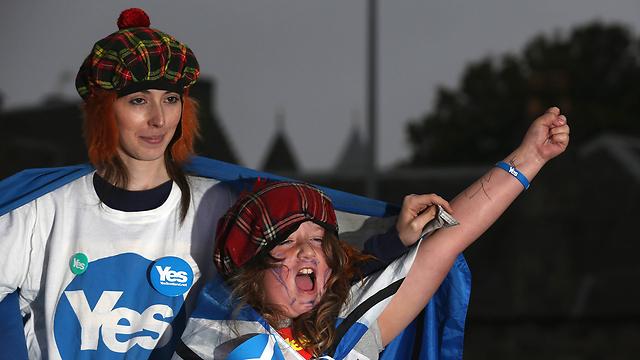 יקוו להפתיע למרות הפיגור הקטן בסקרים. תומכי העצמאות (צילום: gettyimages) (צילום: gettyimages)