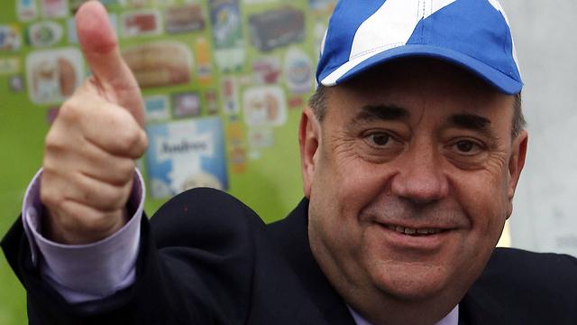הפסיד. ראש ממשלת סקוטלנד סלמונד (צילום: AP) (צילום: AP)