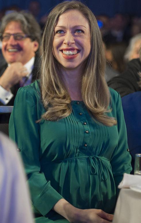 צ'לסי קלינטון במהלך ההריון. עכשיו היא אמא (צילום: AFP) (צילום: AFP)