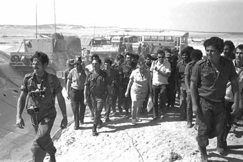 PM Golda Meir during the Yom Kippur War (Photo: Zion Yehuda/GPO)