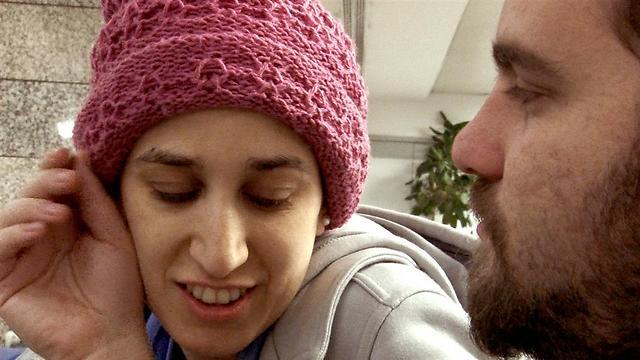 רצתה לסיים את הטיפולים לפני החתונה. סיון ובעלה רונן (צילום: מתוך הסרט)