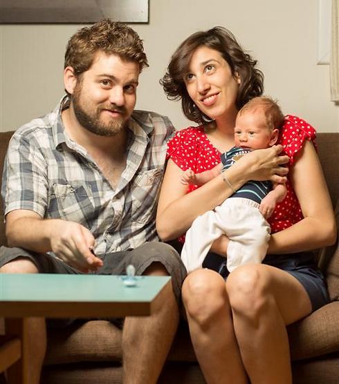 פחדה מאובדן הפוריות. סיון, רונן ורפאל הקטן (צילום: רונן גולדמן)