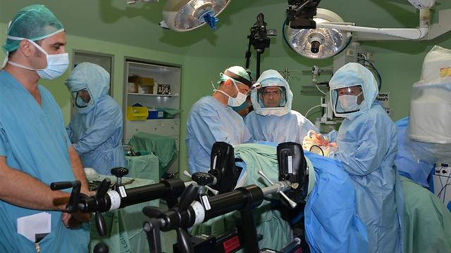 שולחן הניתוחים החדש. ברזילי (צילום: אבי עוז דוד, המרכז הרפואי ברזילי)