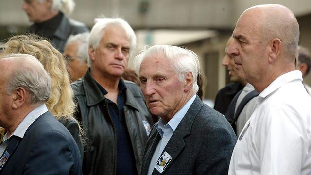 להט בטקס אזכרה - 10 שנים לרצח רבין (צילום: מיכאל קרמר) (צילום: מיכאל קרמר)