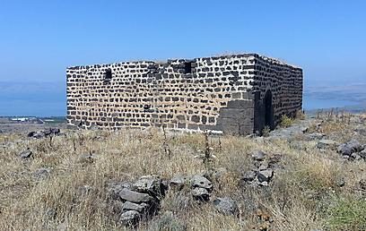 במקום נמצאו קמעות בארמית ובעברית (צילום: יעל אלף, רשות העתיקות  )