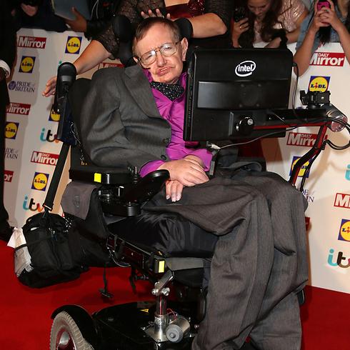 דיבר רק באמצעות מכגונה שהוצגה לכיסא הגלגלים (צילום: shutterstock)