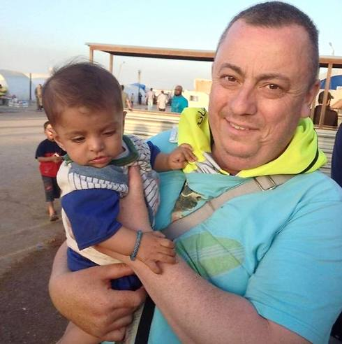 British aid worker and Islamic State victim Alan Henning in Syria (Photo: AP) (Photo: AP)