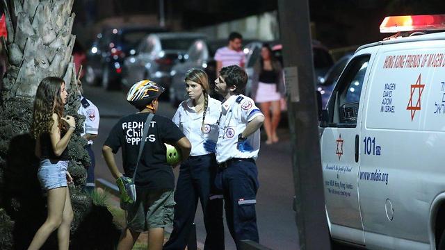 Rescue personnel on patrol in Tel Aviv (Photo: Motti Kimchi)