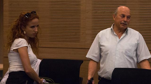 MK Shafir with rightwing comittee leader Nissan Slomiansky (Photo: Ohad Zwegenberg)