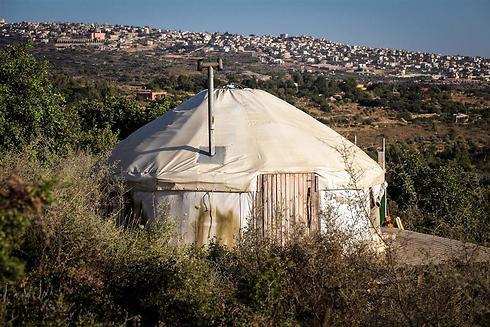 """אוהל מונגולי מסוג """"דום"""" (צילום: אבישג שאר-ישוב) (צילום: אבישג שאר-ישוב)"""