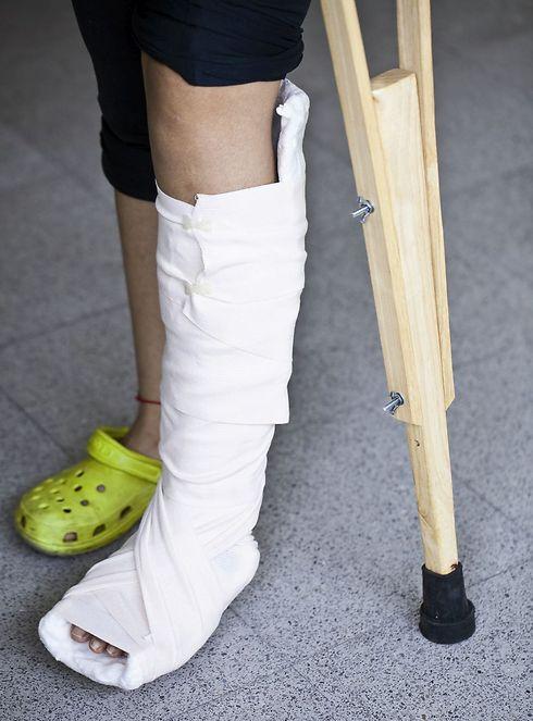 הפלטות נפלו על כף רגלו השמאלית  (אילוסטרציה: ShutterStock)