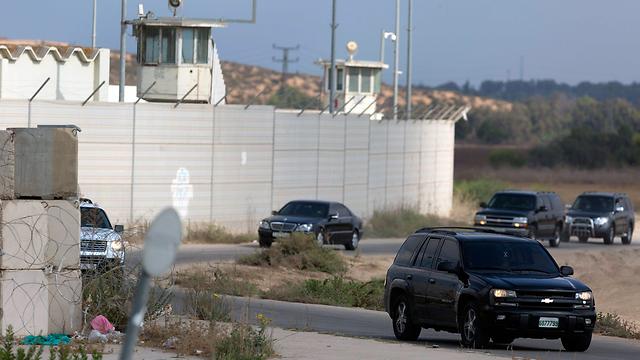 The Palestinian convoy making its way to Gaza (Photo: EPA)