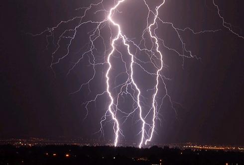 Ganei Tikva skies (Photo: Dubi Perry) (Photo: Dubi Perry)