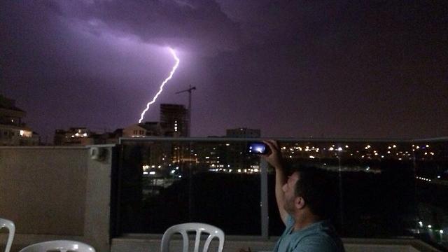 Central Israel lit up (Photo: Israel Vaknin) (Photo: Israel Vaknin)