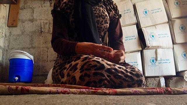 נערה יזידית שנחטפה, נמכרה לשני בעלים והצליחה להימלט (צילום: AP)