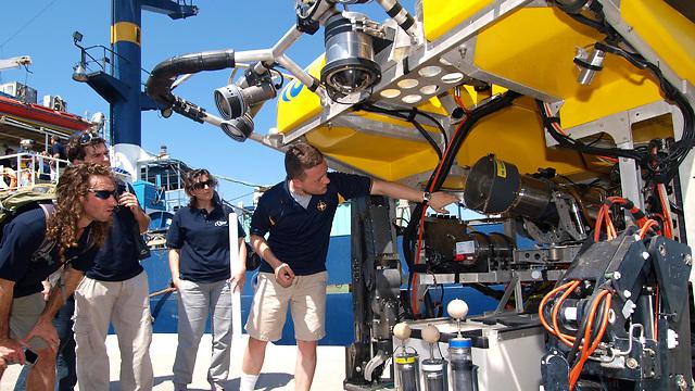 פעילות החוג לטכנולוגיות ימיות בבית הספר למדעי הים באוניברסיטת חיפה (צילום: אריק בלטינסטר)