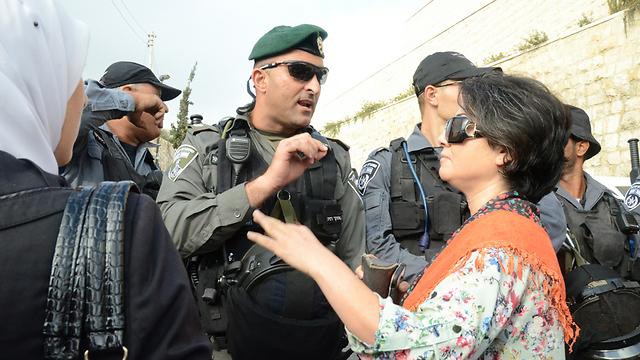 בין המתעמתים גם חברת הכנסת חנין זועבי (צילום: מוחמד שינאווי) (צילום: מוחמד שינאווי)