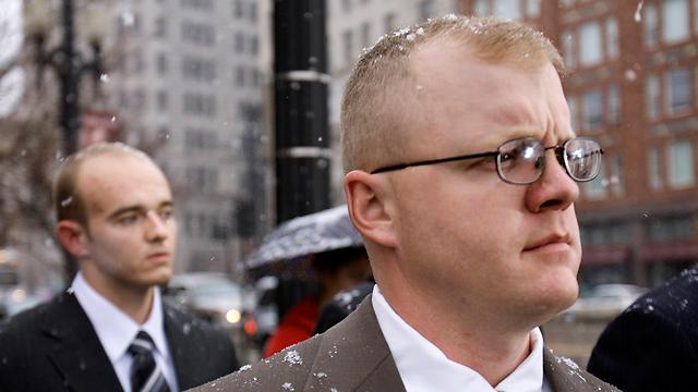 הורשע בהרג לא בכוונה תחילה. פול סלוף (מימין) (צילום: AP) (צילום: AP)