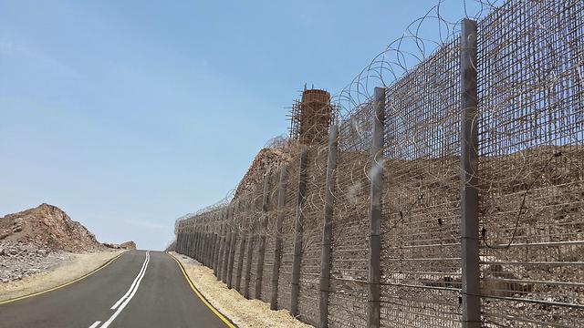 Border fence on the Israel-Egypt border (Photo: Yoav Zitun)