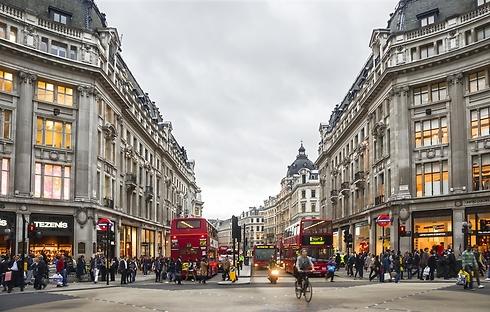 רחוב אוקספורד בלונדון. ימי ראשון נחשבים לעמוסים ביותר (צילום: shutterstock) (צילום: shutterstock)